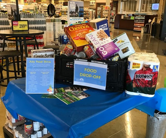 Rep. Williams and Senate President Cullerton Host July Food Drive for Common Pantry